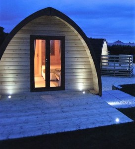 home_key_portugal_pod-at-night