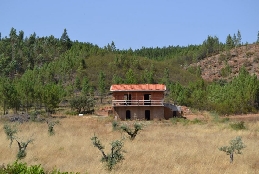 building house in portugal